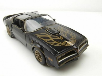 Smokey Bandit 1977 Pontiac Firebird scara 1:32