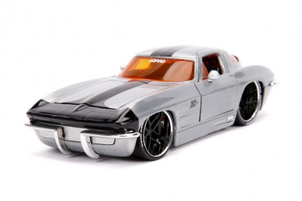 Macheta metalica Chevy Corvette 1963 scara 1:24